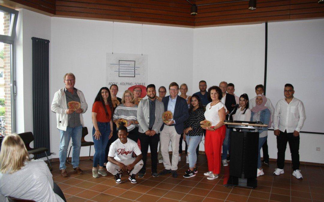 56 Schülerinnen und Schüler verabschiedet – Zeugnisfeier der BVS-Klassen