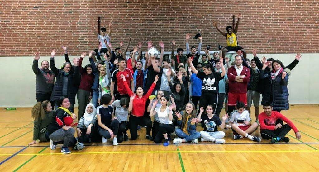 SgH- Turnier der Sprachförderklassen: 50-Cent-Zusage für jedes geschossene Tor bringt Spendenkasse zum Klingen
