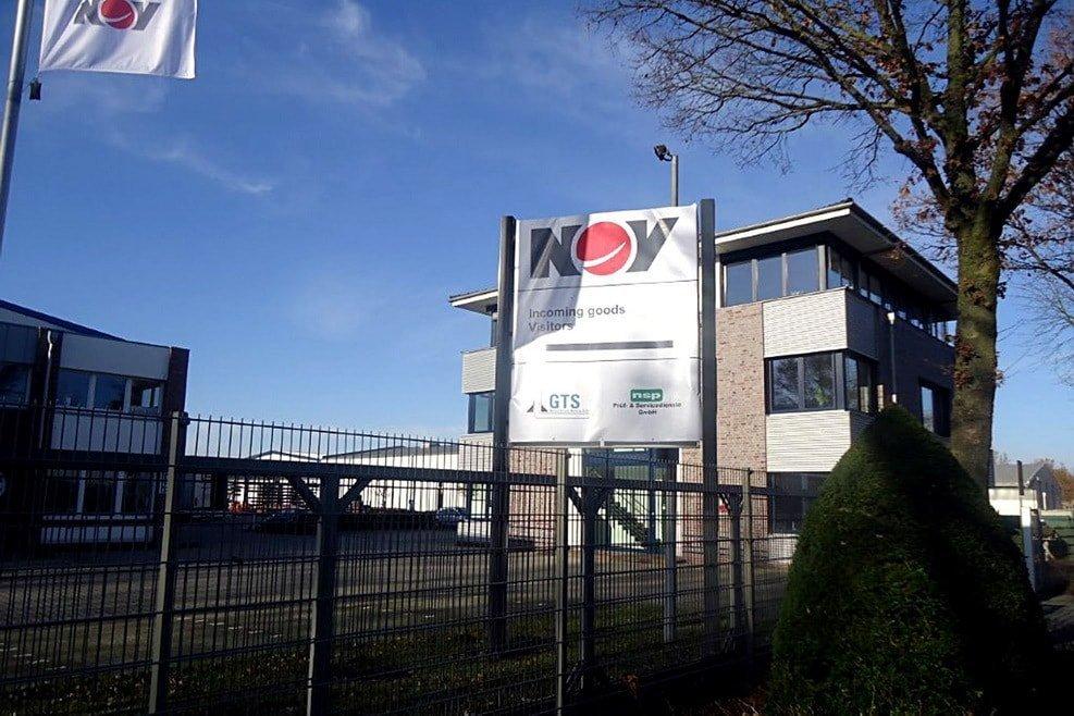 AKS Lernende besichtigen Ölfelddienstleister und Maschinenbauer NOV
