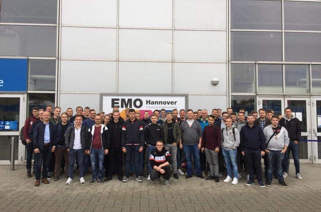 Werkzeugmechaniker unter sich: Ausflug zur EMO nach Hannover