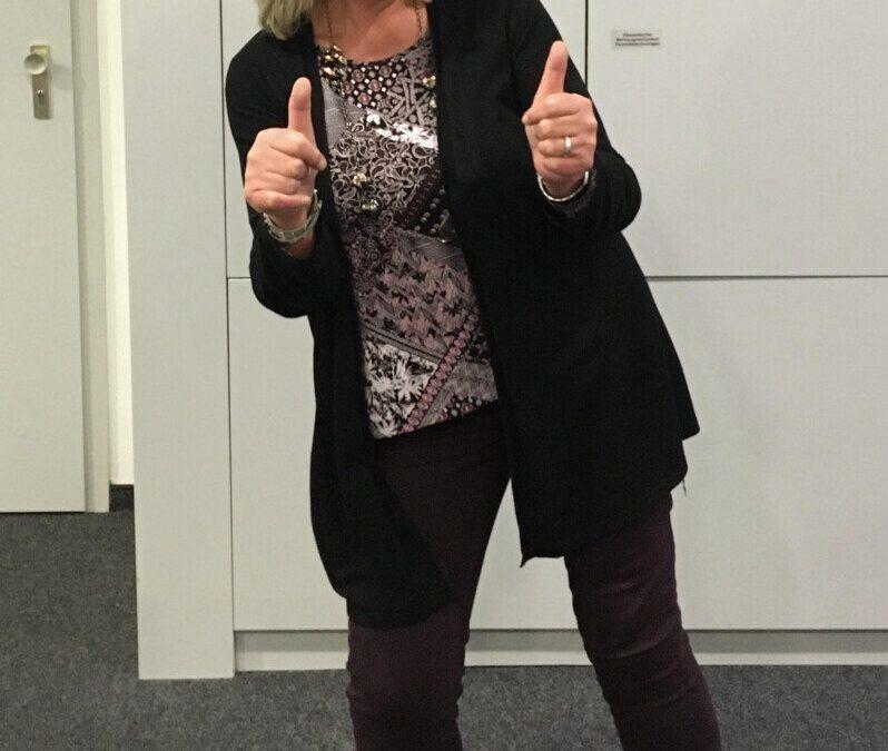 Verwaltungsleiterin Karin Arlinghaus bleibt dauerhaft im Team der AKS