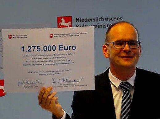 """""""Keks 4.0"""" BBSen erhalten 1,3 Millionen Euro Fördergeld für Smart-Factory-Projekt"""