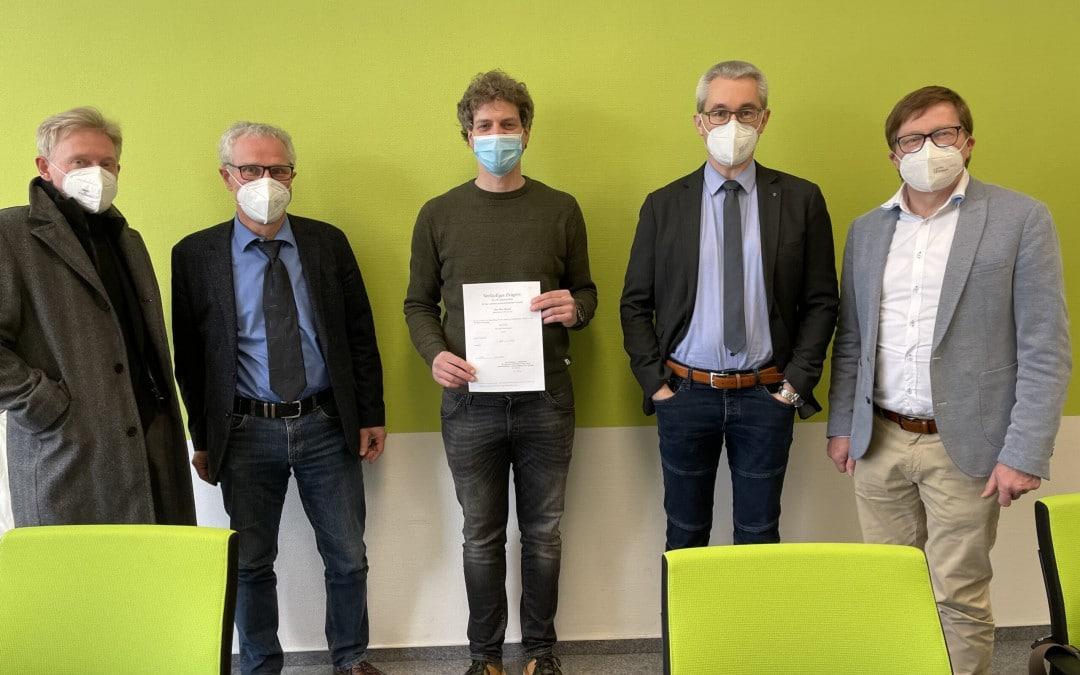 Bestanden – Quereinsteiger Peter Hoping hat alle Hürden auf dem Weg zum Lehrerberuf gemeistert