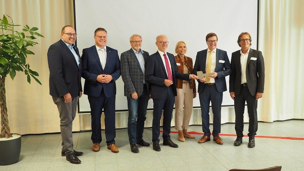 Feierliche Einweihung des neuen Kfz-Gebäudes an der Adolf-Kolping-Schule Lohne